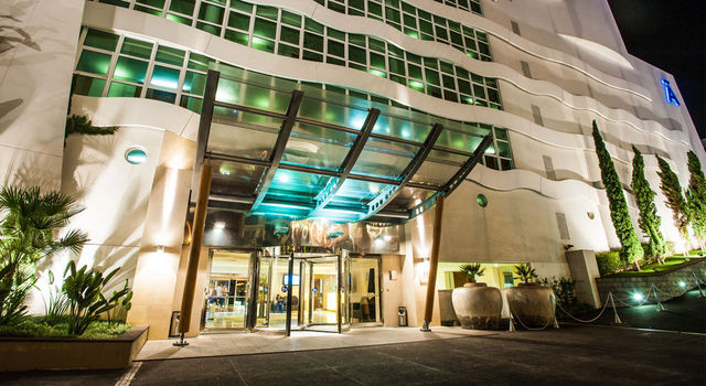 Melia Madeira Mare main entrance