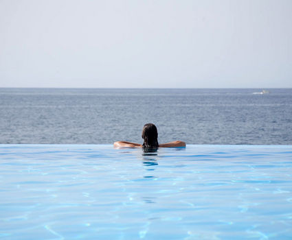 Vidamar pool with a view to the Atlantic Sea